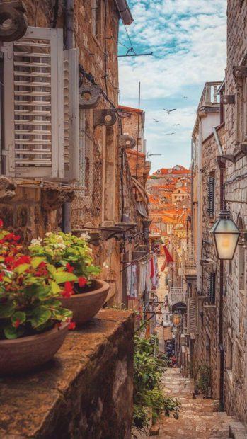 Nowobrzeskie ulice mają niezwykły klimat